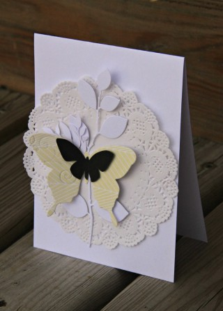 cat123 pour com.16 - carte papillons et branches - jaune et noir - collection bertille -